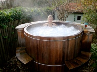hot tub at Pixie Nook
