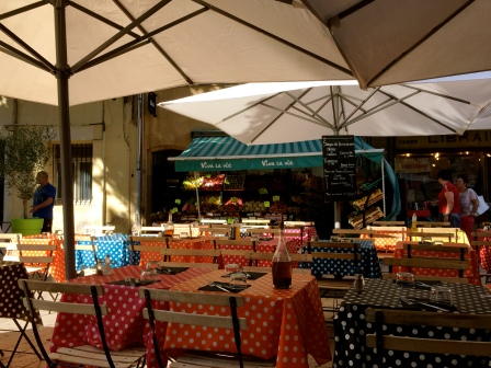 courtyard restaurants