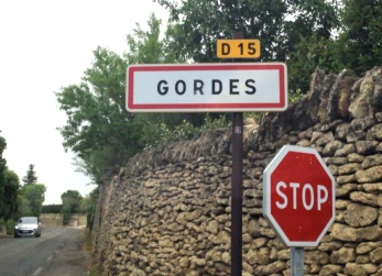 road to Gordes